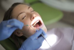 5 Warning Signs of Dental Problems You Need to Look Out For